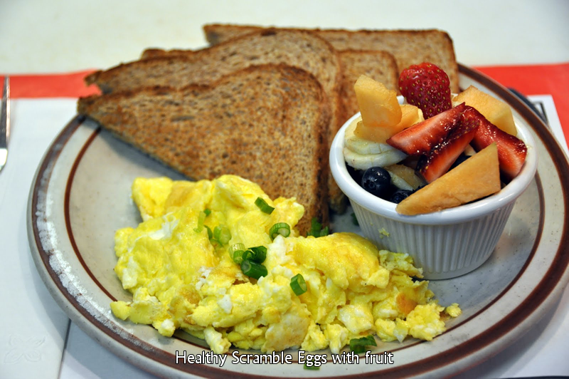 Healthy Scramble with Fruit