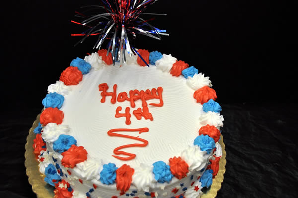 July 4th Themed Ice Cream Cake.